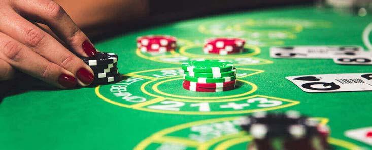 Las apuestas por detrás te permiten jugar live blackjack incluso si no consigues asiento