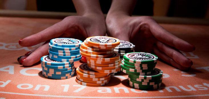 Lee la guía de Juegos Palacio sobre cómo jugar blackjack gratis